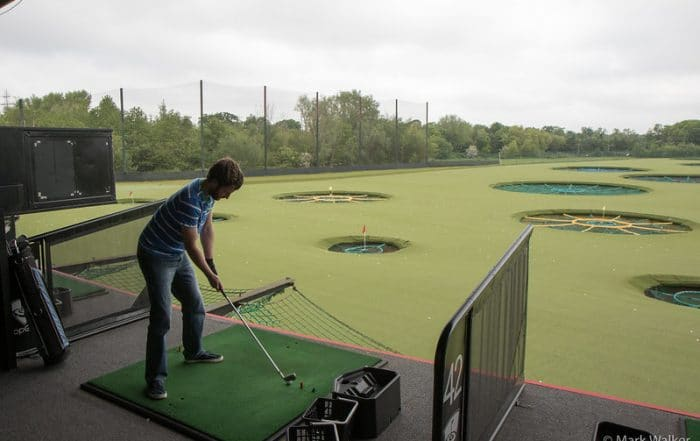 Topgolf dress code - What to wear to Topgolf - AEC info